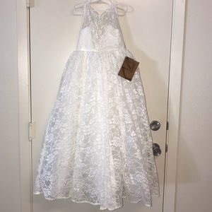 NEW Girls Lace Wedding or Special Occasion Dress 6